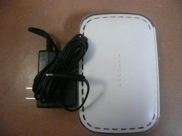 Netgear FS605 V3 Switch image